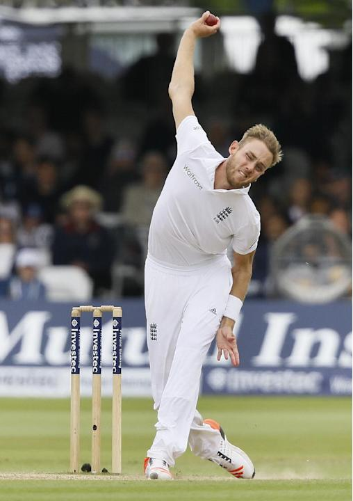England's Stuart Broad bowls during the fifth day of the first Test match between England and New Zealand at Lord's cricket ground in London, Monday, May 25, 2015. (AP Photo/Kirsty Wiggleswort