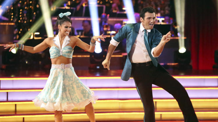 Melissa Rycroft and Tony Dovolani (10/1/12)