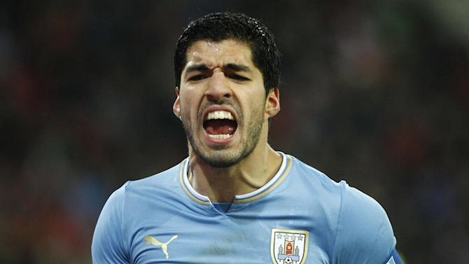 World Cup - Uruguay coach not sure when Suarez will be fit