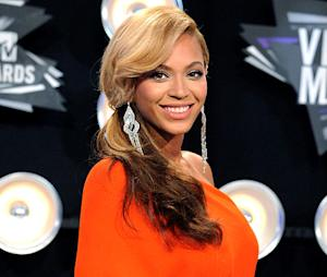 Beyonce Mulling Blue Ivy Songs, Two Albums This Year