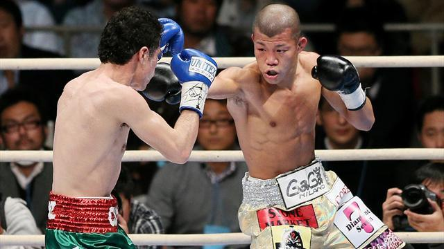 Boxing - Kameda outpoints Ruiz to retain WBA title