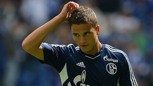 Bundesliga - Schalke's Afellay missing in Cup debut for coach Keller