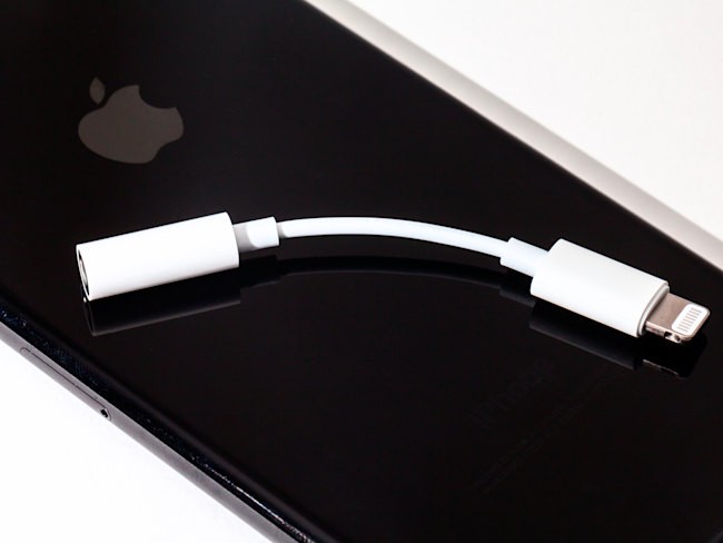 REVIEW: The iPhone 7 headphone dongle - Yahoo Finance Canada