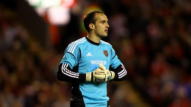 Football - Hearts could use experience - keeper
