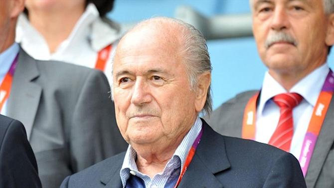 Football - Warner: FIFA 'won't change under Blatter'