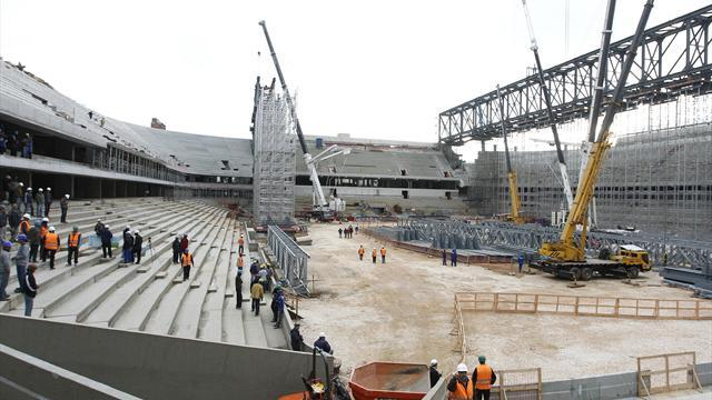 World Cup - FIFA: Brazil stadium problems should be warning for Russia, Qatar