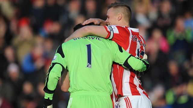 Premier League - Begovic scores after 14 seconds as Stoke hold Southampton
