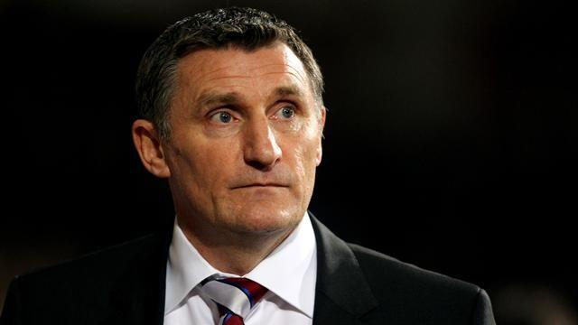 Championship - Mowbray unhappy with defending