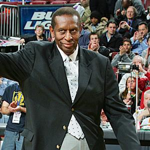 Boomer & Carton: First black NBA player Earl Lloyd passes away