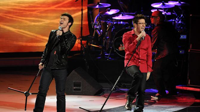 "Kris Allen and Danny Gokey perform ""Renegade"" by Styx on ""American Idol."""
