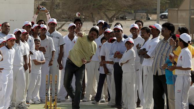 Kapil Dev Awali Cricket Club Visit