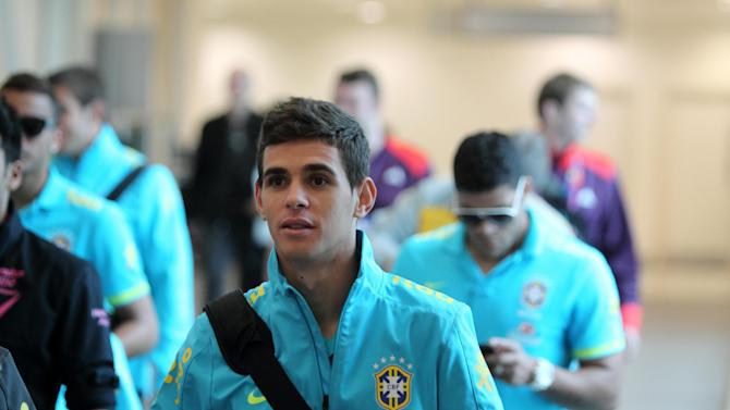 Oscar will delay his decision over whether to join Chelsea until after the Olympics