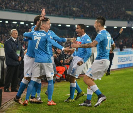 EURO BITES: Serie A - Napoli top the table for first time in 25 years, Roma slip into crisis, and is Antonio Di Natale ready to retire?
