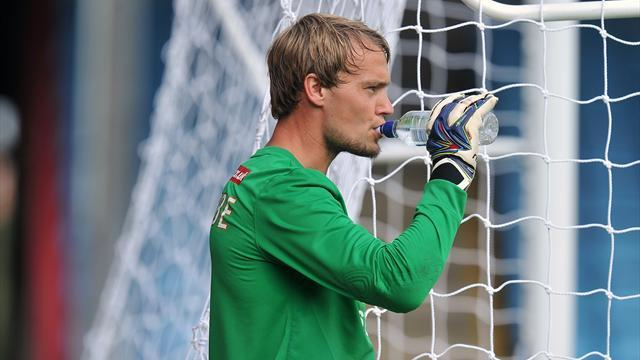 League Two - Slocombe penalty save keeps Scunthorpe on top