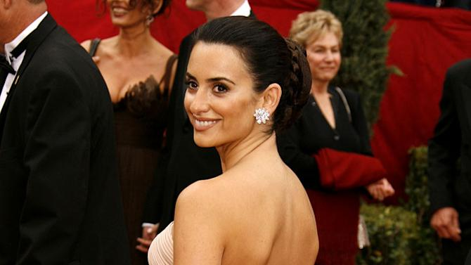 """Penelope Cruz, nominee Best Performance by an Actress in a Leading Role for """"Volver"""" at The 79th Annual Academy Awards."""