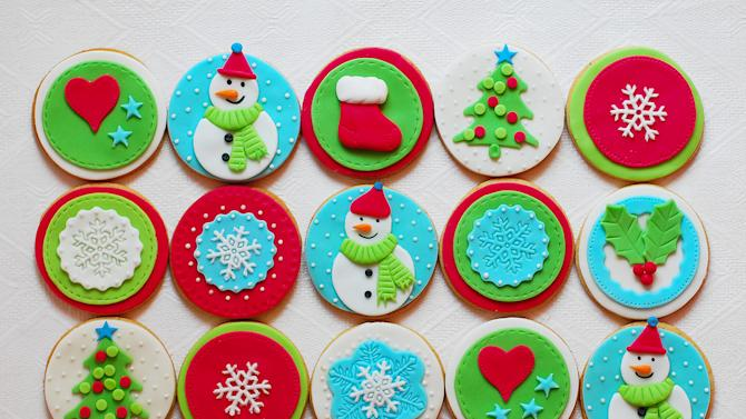 Pretty Designs for Decorating Christmas Cookies