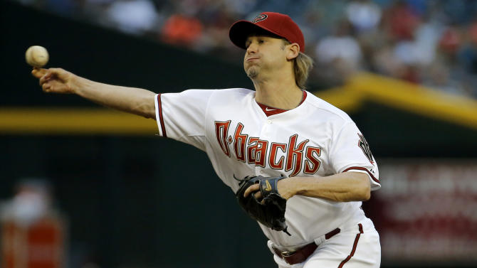 Arroyo outpitches Strasburg, D-Backs top Nationals