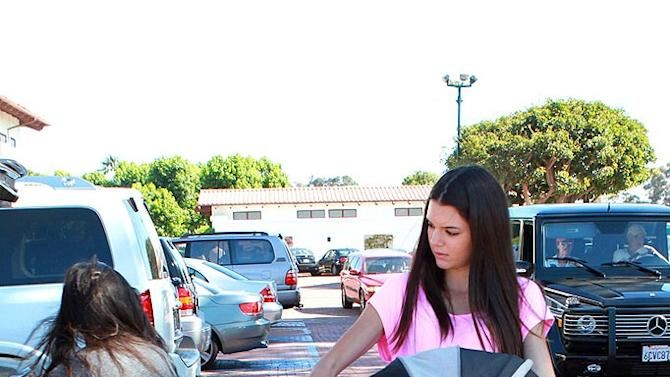 Jenner Kendall Shopping