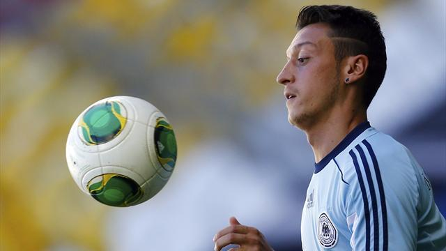 Premier League - Gibbs: Ozil is next-level signing