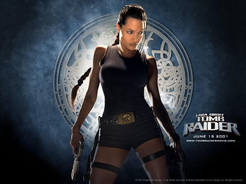 <p>原版《古墓奇兵》系列電影奠定了安潔莉娜裘莉的女打仔風格。(圖/Yahoo電影) </p>
