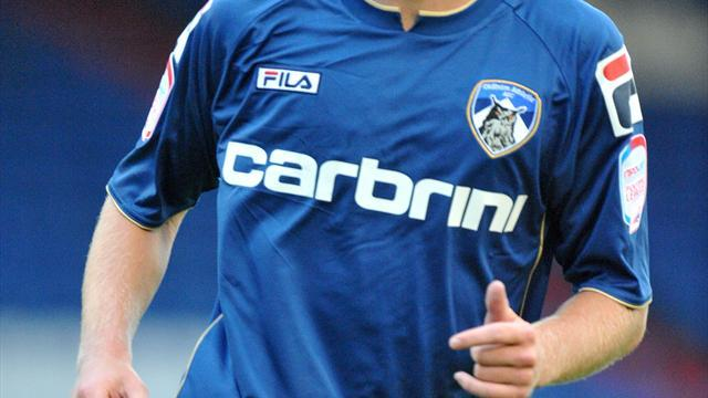 Football - Latics too strong for 10-man Forest