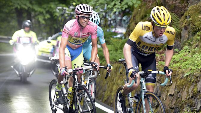 Tinkoff-Saxo rider Contador of Spain climbs during the 16th stage of the 98th Giro d'Italia cycling race from Pinzolo to Aprica