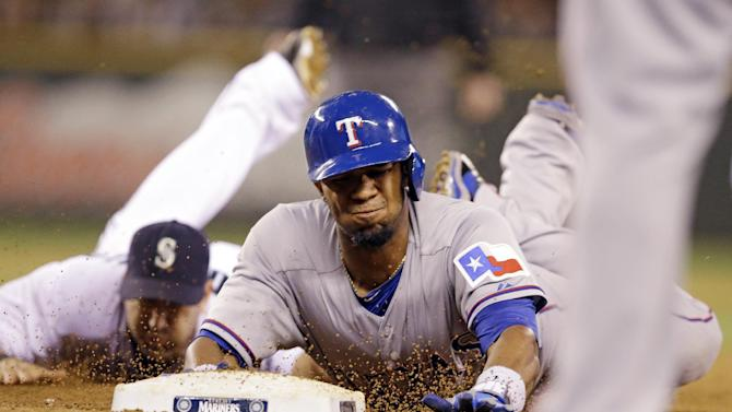 Martin's single pushes Rangers past Mariners 4-3