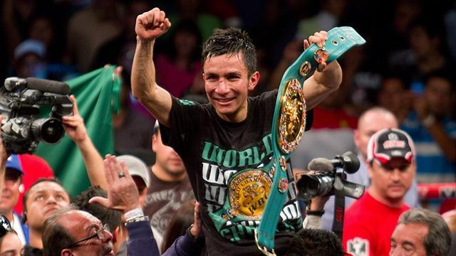 Boxing - Hernandez cruises to decision win over Cabarca