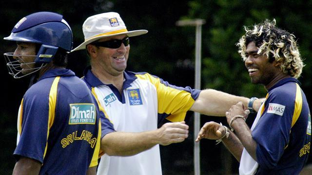 Cricket - Sri Lanka name Englishman Farbrace as coach