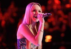 Danielle Bradbery | Photo Credits: Trae Patton/NBC