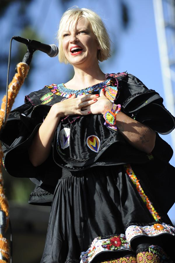 Sia Emerges From 'Semi-Retirement' to Cut New LP