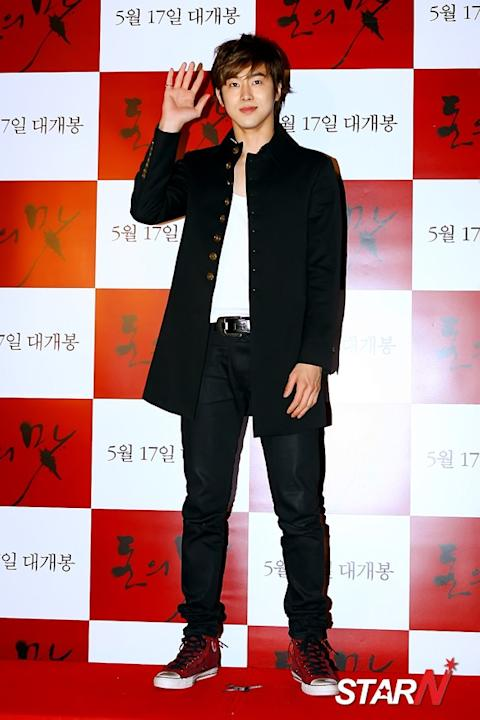 [Photo] DBSK's Yunho at the VIP premiere of 'The Taste of Money'