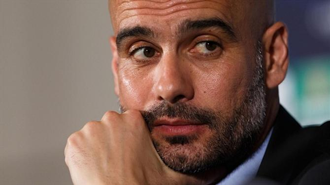 Bundesliga - Bayern Munich plan talks with Pep Guardiola over contract extension
