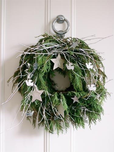 Spruce Up a Basic Wreath