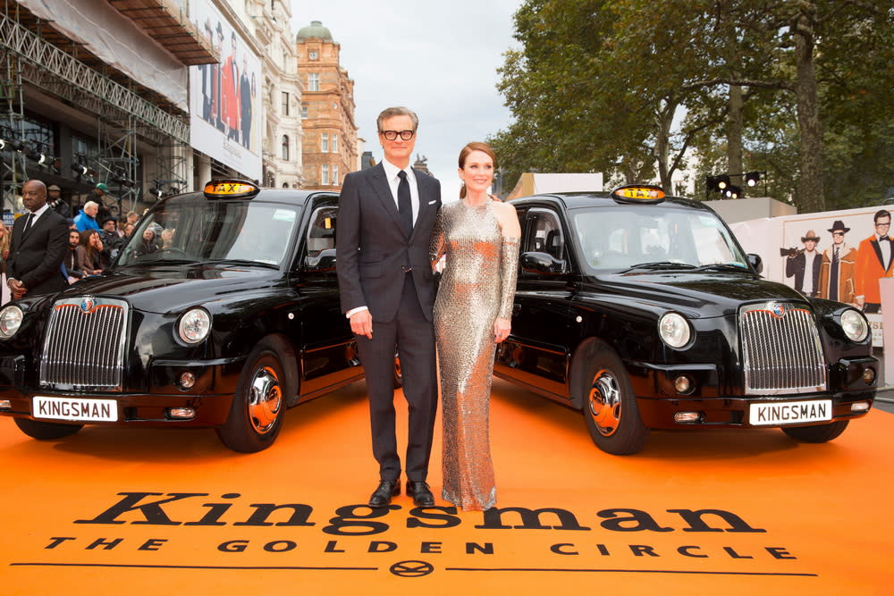 <p>在倫敦首映現場上,兩台計程車並排迎接金士曼與仕特曼的大駕光臨。(圖:柯林佛斯、茱莉安摩爾) </p>