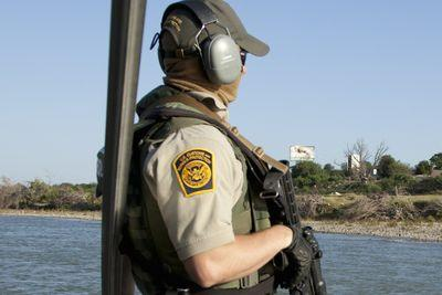 Obama just picked a fight with border agents
