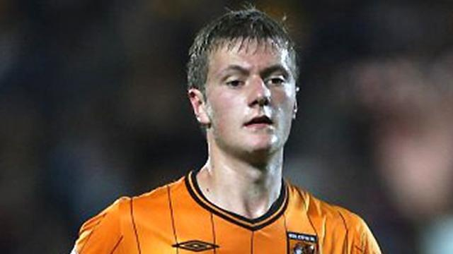 League Two - Hull's Cooper extends Chesterfield loan
