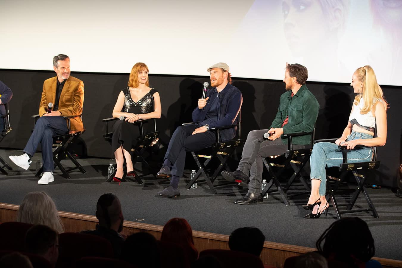 這是有關《X戰警》系列電影中深受喜愛的成員琴葛雷(蘇菲特納飾)的故事,劇情描述她逐漸黑化為經典角色黑鳳凰的過程。