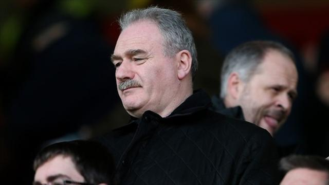 Football - Hibs chairman warned by fans