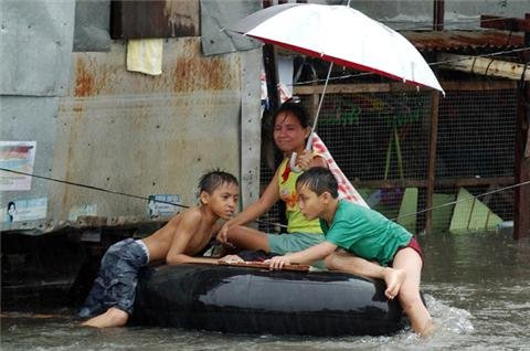 Philippines braced for Bopha battering