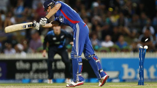 Cricket - England slump to sixth in rankings after crushing T20 defeat to NZ