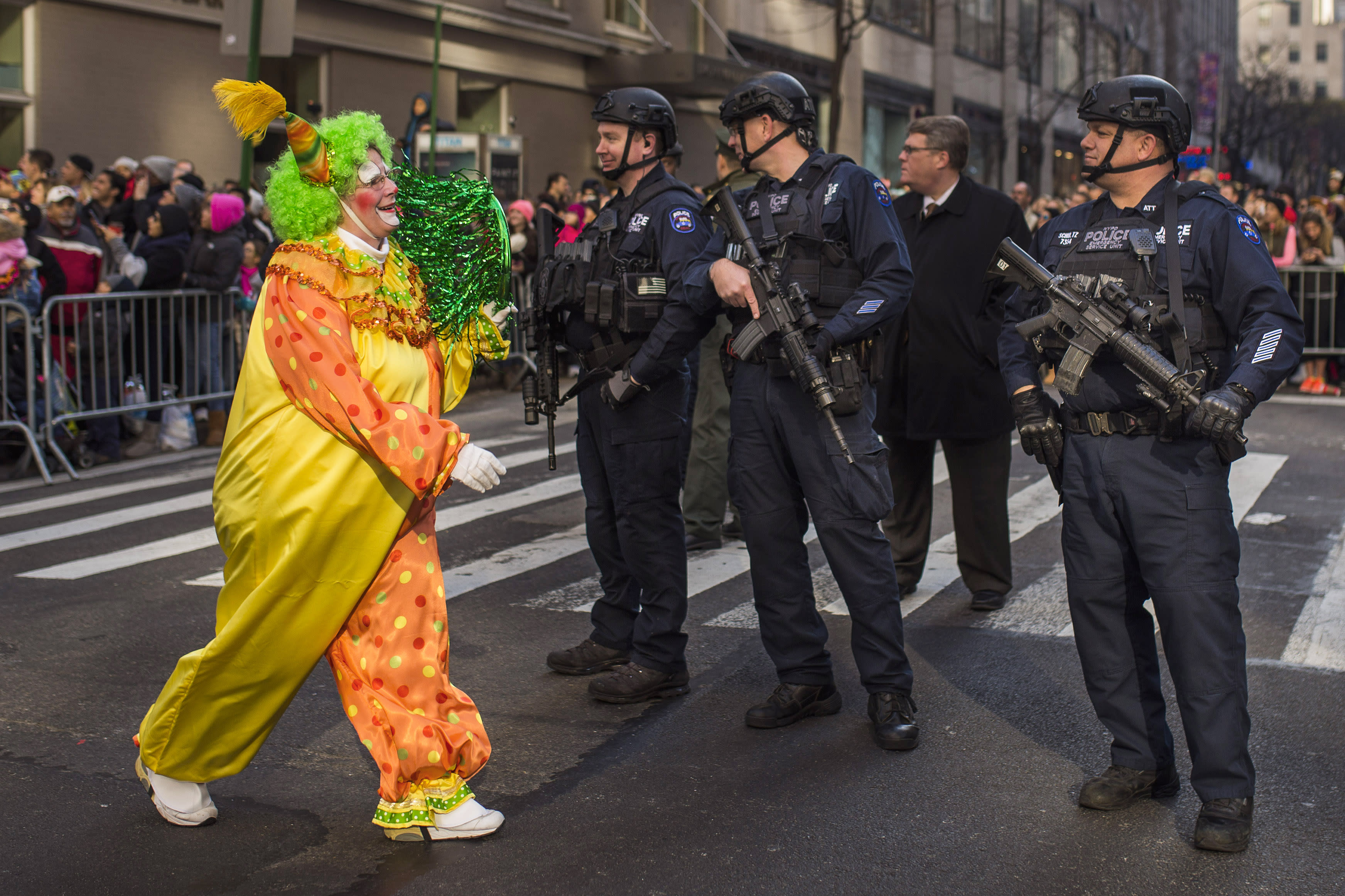 Big balloons, heavy security for NYC Thanksgiving parade
