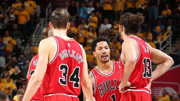 Rose, Gasol pace Bulls to 99-92 win over Cavs in Game 1