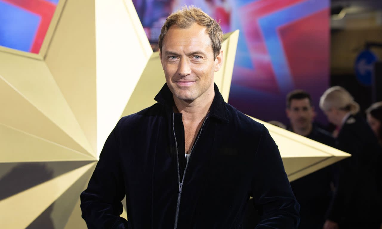 <p>裘德洛於英國時間2019年2月27日出席了在英國倫敦舉辦的《驚奇隊長》首映。(圖/StillMoving.net for Disney) </p>