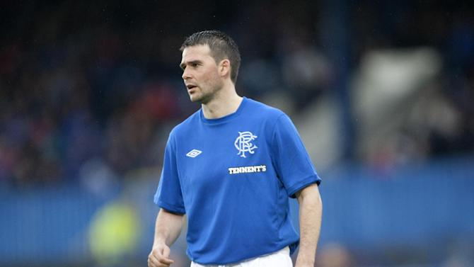 David Healy, who was at Rangers last season, has signed for League One Bury