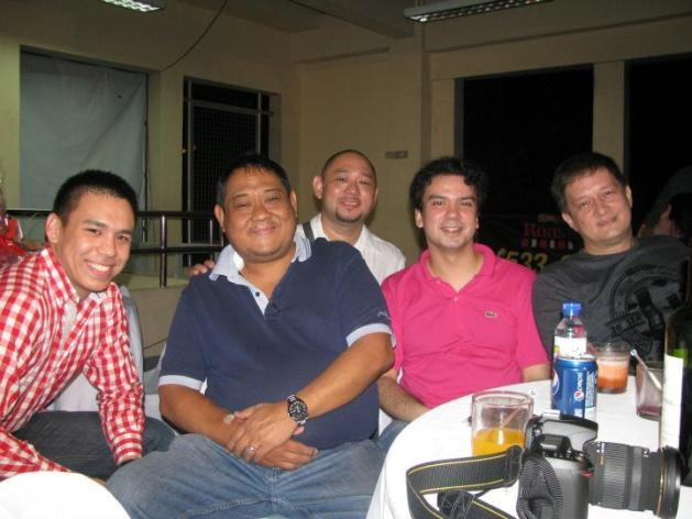 Butch Maniego, second from left, with fellow sportscasters Anton Roxas, Jude Roque, Chris Soler and Bill Velasco at the 2011 Christmas party of ABS-CBN Sports. Maniego died on Sunday. (Photo by Sid Ventura)