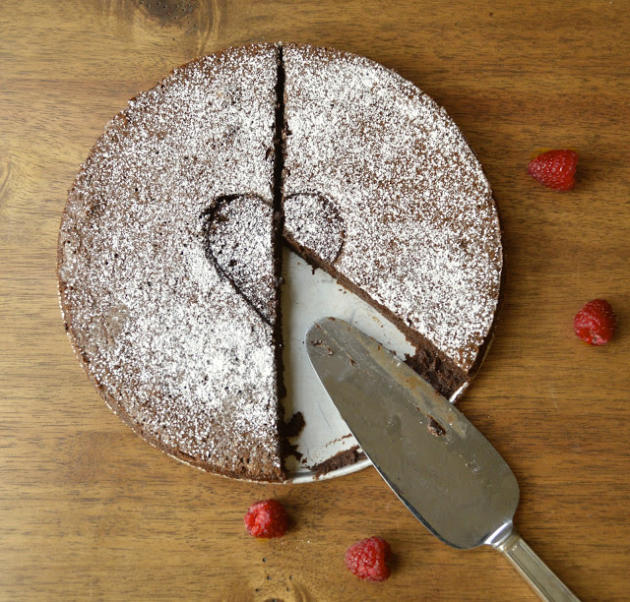 Flourless Chocolate Mousse Cake