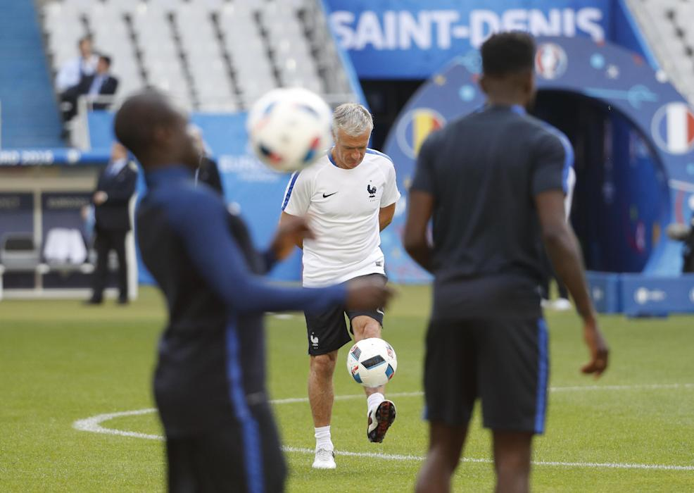 France head coach Didier Deschamps during training