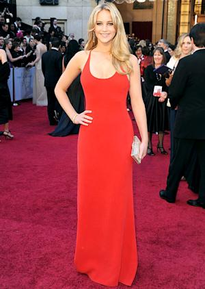 "Jennifer Lawrence: ""I'm Going to Wear Sweatpants"" to the Oscars"