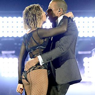 Beyonce and Jay Z to Tour Together This Summer: Report